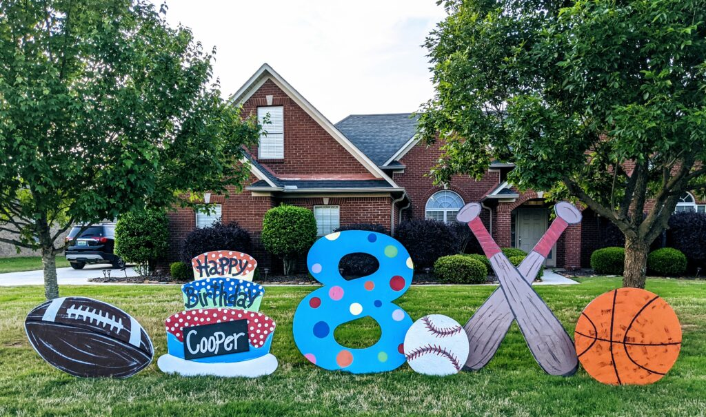 Lawn signs in Madison Alabama: MADyardArt loves celebrating all kinds of occasions, including birthdays, anniversaries, new babies, retirements, and much more.