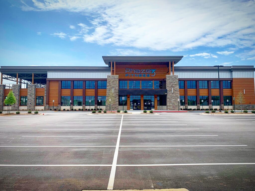 Phaze 3 Fitness, one of the newest and largest premium fitness facilities in North Alabama, reopened their doors on May 12th and hopes that all of their current and prospective members understand the changes that have been made to keep safety and health at the top of the priority list.